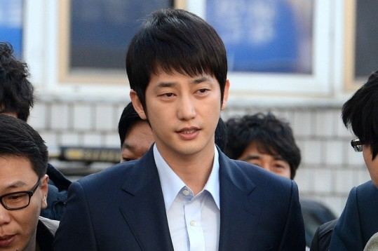 """[Updated] """"A"""" Drops Sexual Assault Charge Against Park Shi Hoo; Park Shi Hoo Also Drops Charges"""