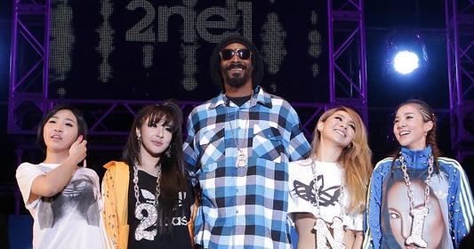 "2NE1 and Snoop Dogg Instagram Photos After ""Unite All Originals"" Concert"