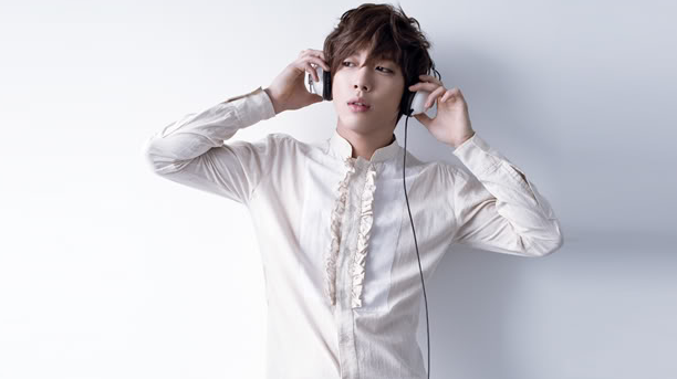 Loyal Auntie Fan Invests 25 Million Won in CNBlue's Jung Yong Hwa