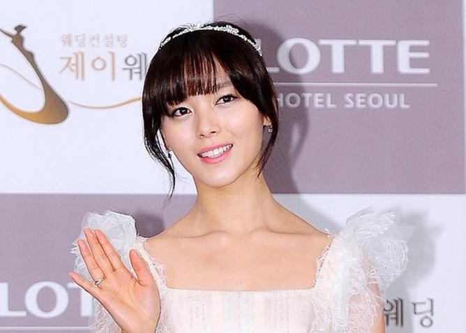 Wonder Girls' Sunye to Give Birth in Canada Not Korea