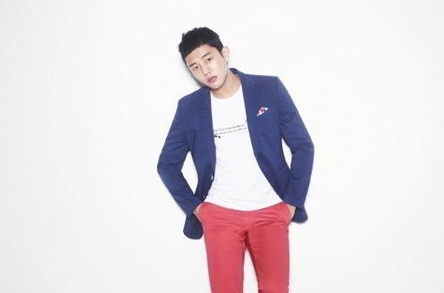 """Yoo Ah In Brings """"Class"""" to Menswear"""