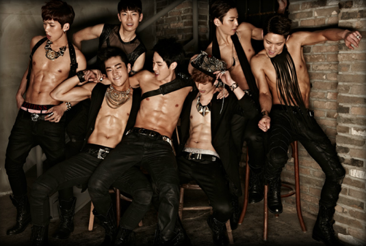 """Members of 100% Prove Their Abs Are """"Real 100%"""""""