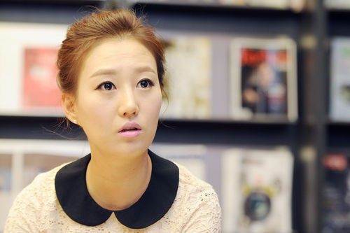 "Jang Yoon Jung: ""Mom Spent 10 Years of My Savings Racking Up $1 Million in Debt"""