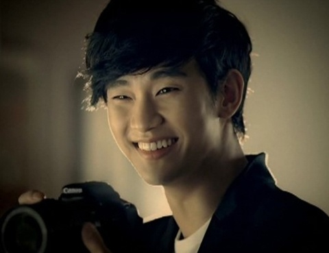 Kim Soo Hyun Wants to Marry a Woman 20 Years Younger