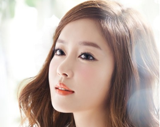 Ex-Jewelry Member Lee Ji Hyun Will Become a Mother in October