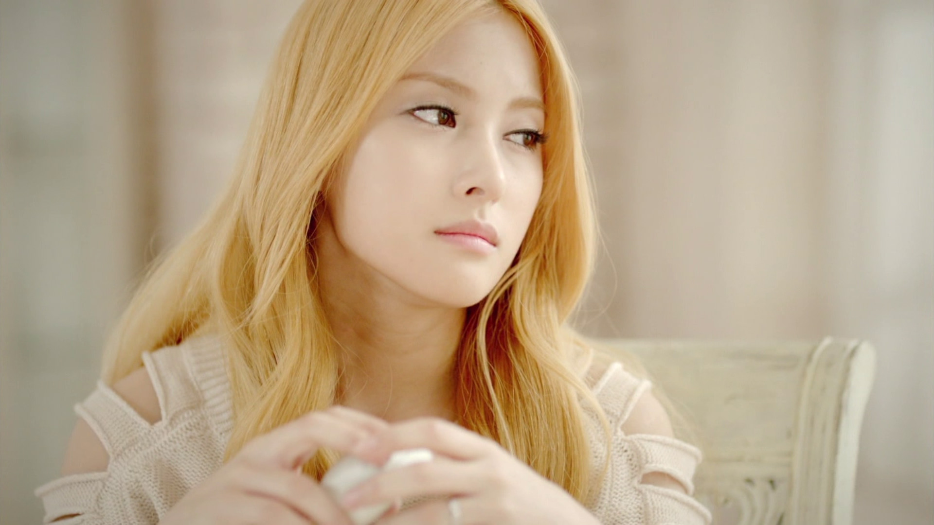 "Kara's Park Gyuri Solo Interview Part 2: ""There Will Be A Scene Where I Kiss A Girl"""