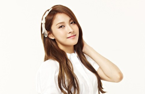 "Kara's Park Gyuri Solo Interview Part 1: ""I Was Attracted to Crossdressing Projects.."""