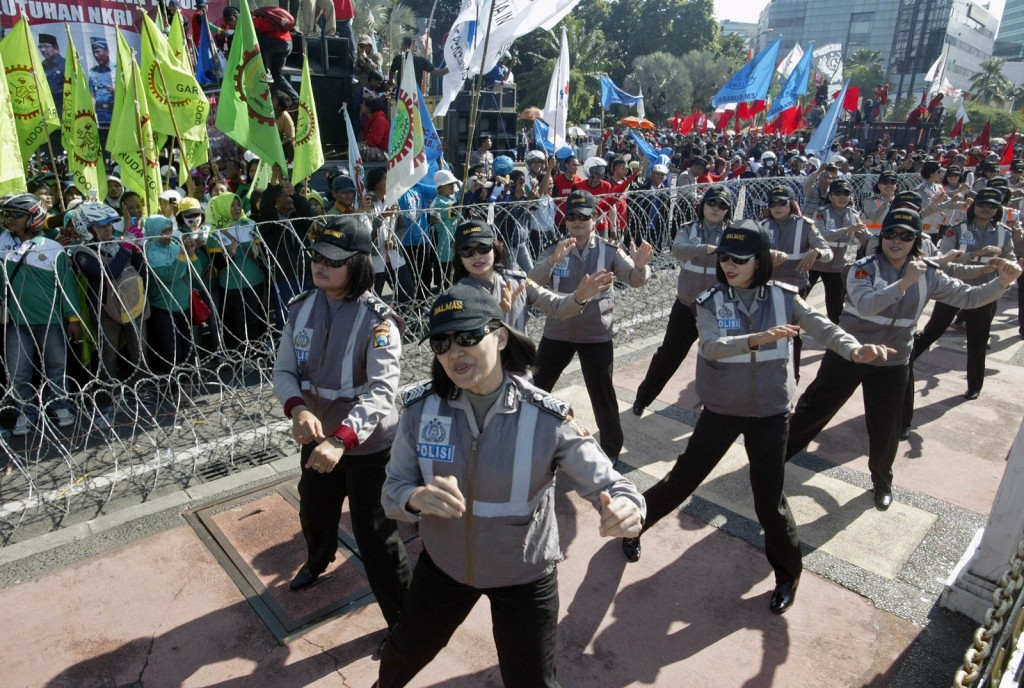PSY's Horse Dance Used in Indonesia to Control May Day Protesters