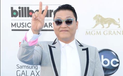 """PSY Wins """"Top Streaming"""" Award at Billboard Music Awards"""