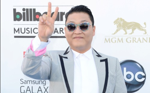 "PSY Wins ""Top Streaming"" Award at Billboard Music Awards"