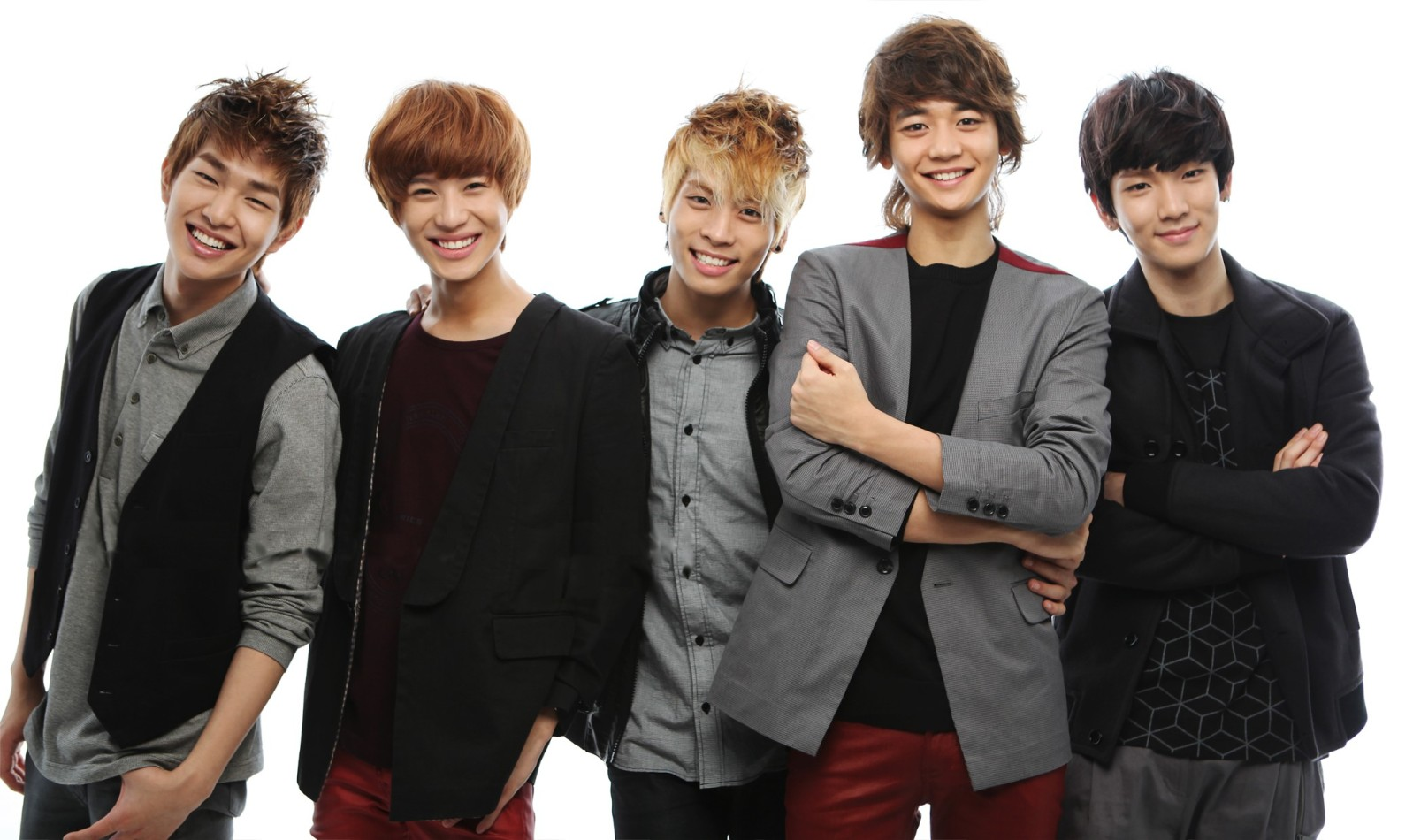 SHINee Celebrates Their 5th Anniversary Since Debut