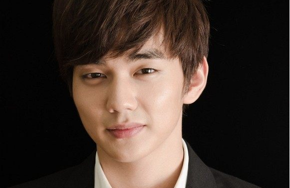 Yoo Seung Ho Is Doing Great in Latest Photos From the Military