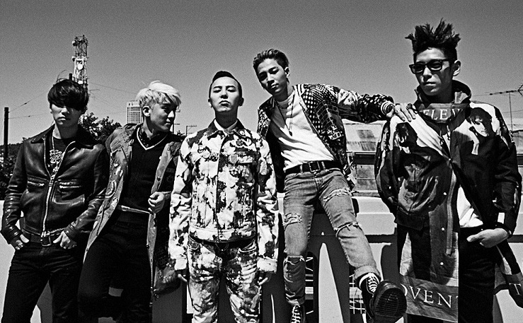 G-Dragon Shares Candid Shots of BIGBANG Members Off-Stage