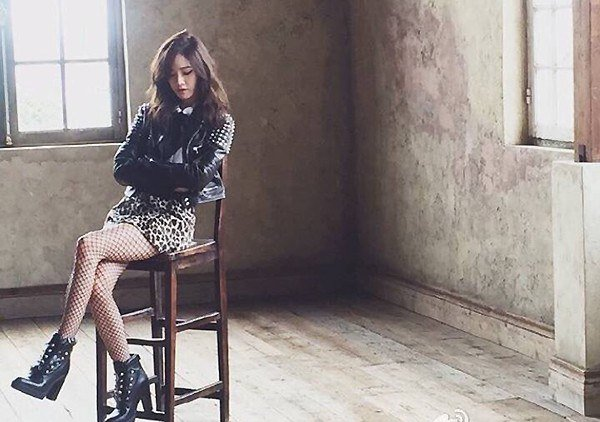 Girls' Generation's Yoona Shows Off Sexy Image in New Pictorial Teaser