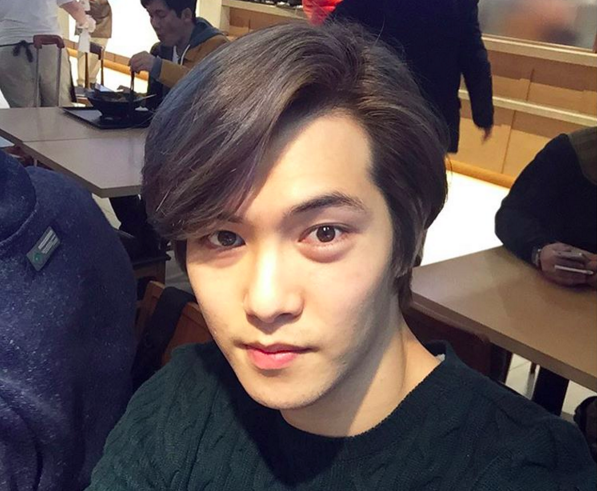 CNBLUE's Lee Jong Hyun Hits 1 Million Followers on Instagram