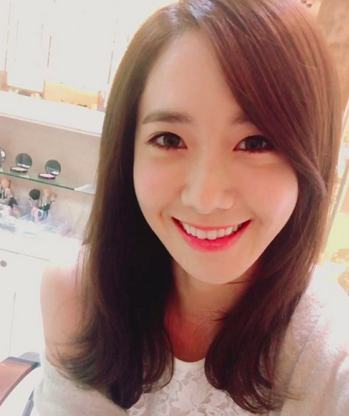Girls' Generation's YoonA Reaches 2 Million Followers on Instagram and 1 Million on Weibo
