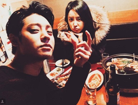 Jung Joon Young and Jung Yoo Mi Reunite for Dinner and Drinks