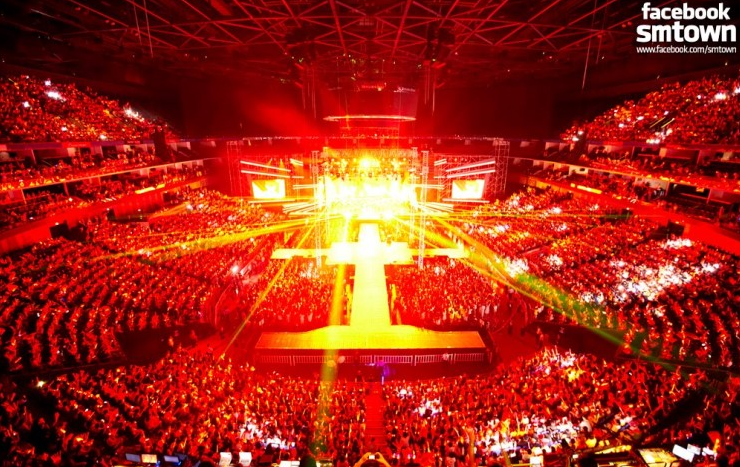 TVXQ Fans Start Petition Against iKON's Similar Light Stick Color