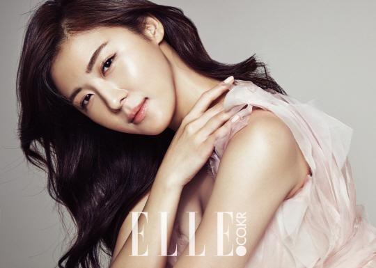 Ha Ji Won Shares Her Beauty Secret With Elle