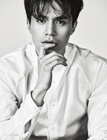 Lee Dong Wook Is Stylish and Smoldering in Men's Uno