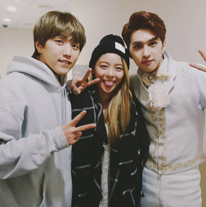 "Ailee Cheers on VIXX's Ken and B1A4's Sandeul at ""Cinderella"""