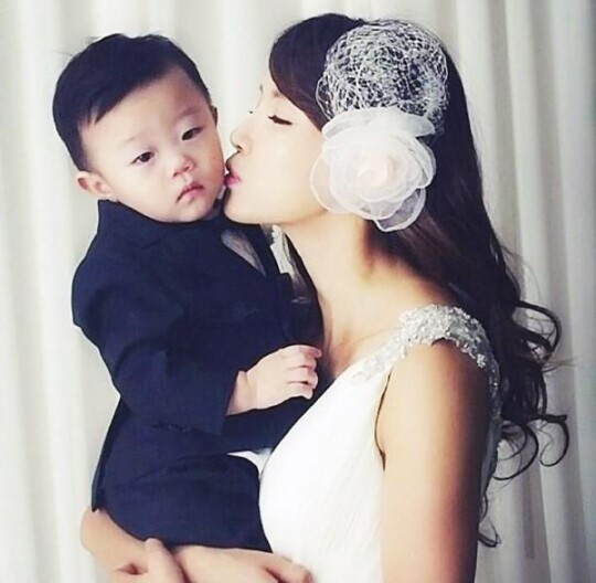 Daebak and mom