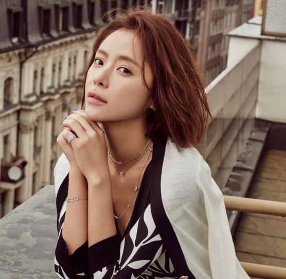 Breaking: Hwang Jung Eum To Tie The Knot With Her Pro