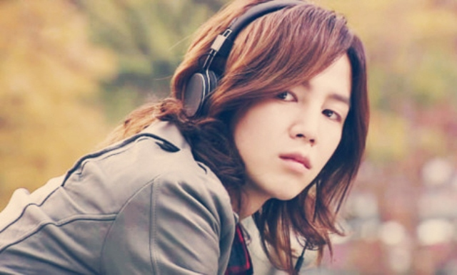 Jang Geun Suk Dishes on His Long Hairstyle and Current Ideal Type
