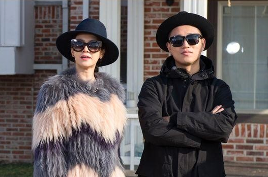 """""""Running Man"""" Cast Become Heirs in Special Mansion Episode"""