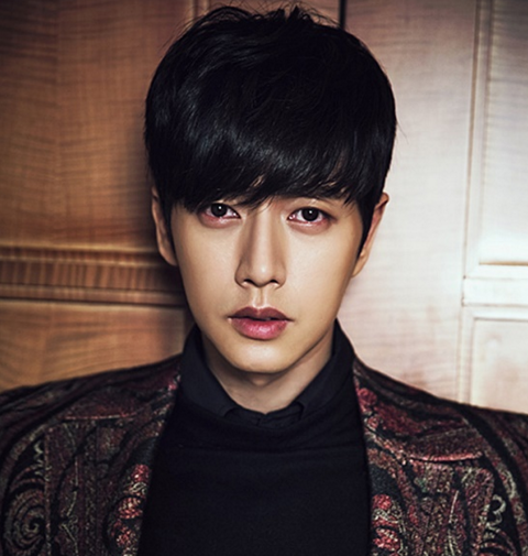 Park Hae Jin to Sue News Outlet for Spreading False Dating Rumor With Park Shin Hye