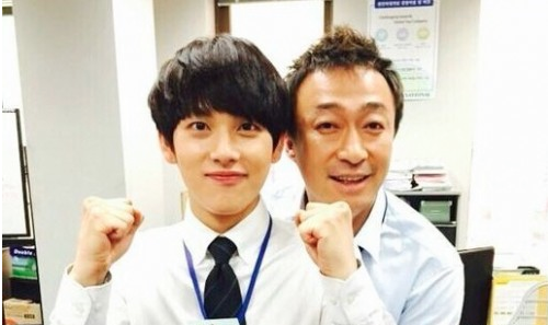"Actor Lee Sung Min Praises ""Misaeng"" Co-Star Im Siwan"