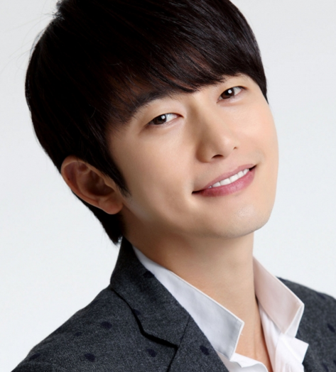 Actor Park Shi Hoo Talks About Being Back to the Small Screen