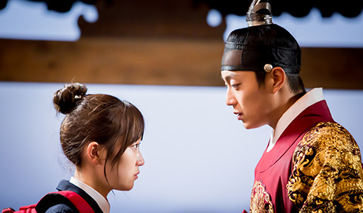 "Kim Seul Gi Reveals What She Would Have Done If She Were Her Character in ""Splash Splash Love"""