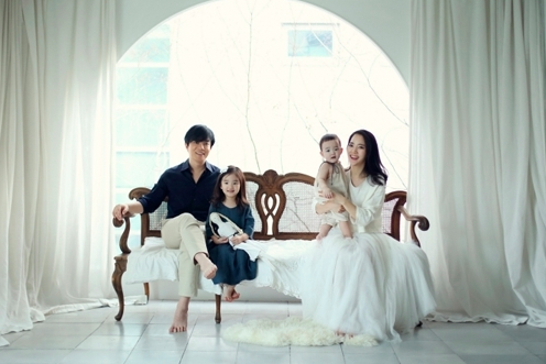 """Lee Beom Soo and Family to Join """"The Return of Superman"""" Following Song Triplets' Departure"""