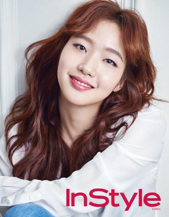 """Cheese in the Trap"" Kim Go Eun Praises Role Model Jeon Do Yeon"