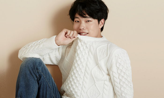 Ryu Jun Yeol's First Fan Meeting Tickets Sell Out in Two Minutes