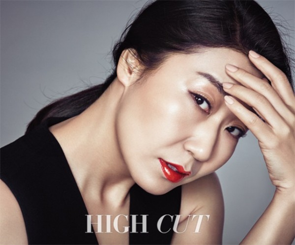 """""""Reply 1988"""" Ra Mi Ran Stuns in Her First-Ever Beauty Editorial"""