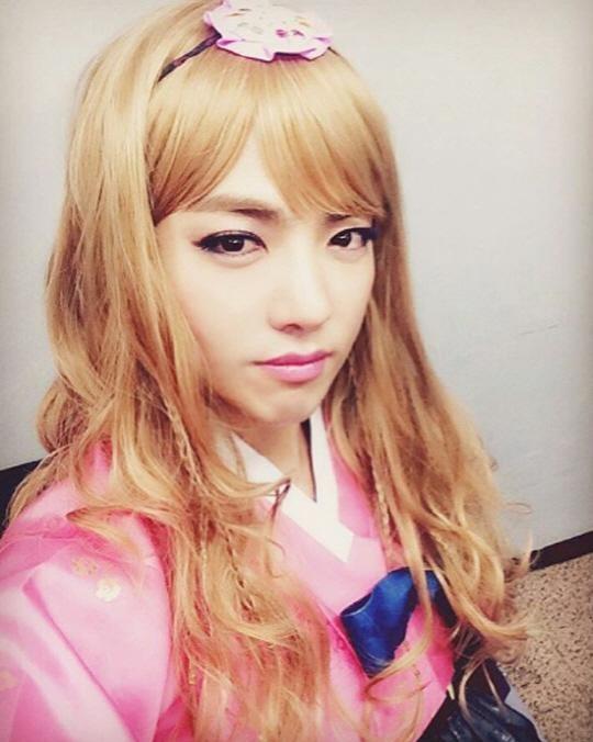 M.I.B's Kangnam Makes Girls Jealous in His Pretty Pink Hanbok