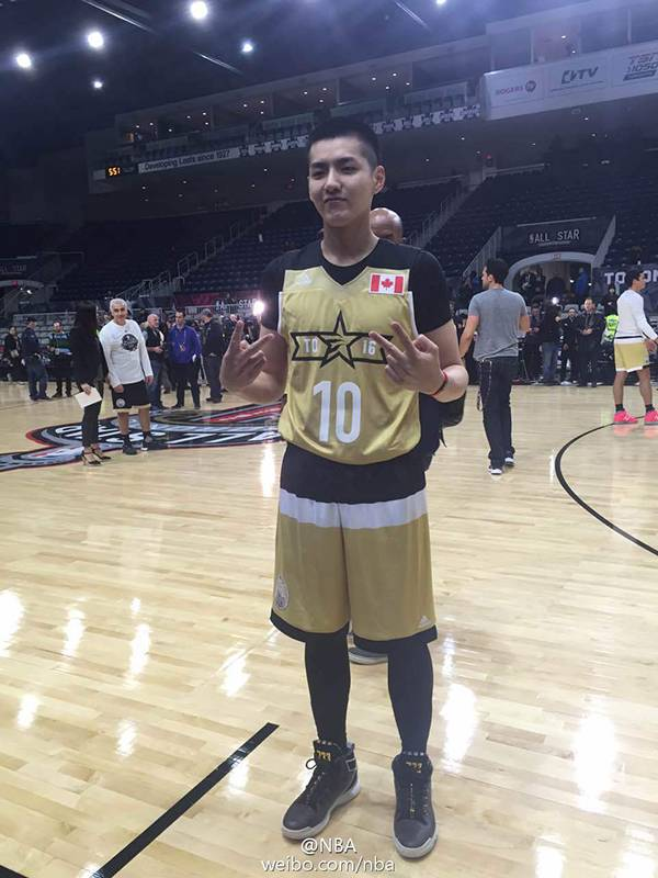 Kris Plays Basketball for Team Canada at NBA All-Star Celebrity Game