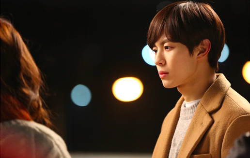 "VIXX's Hongbin Chooses Between Romance or Bromance on ""Moorim School"""