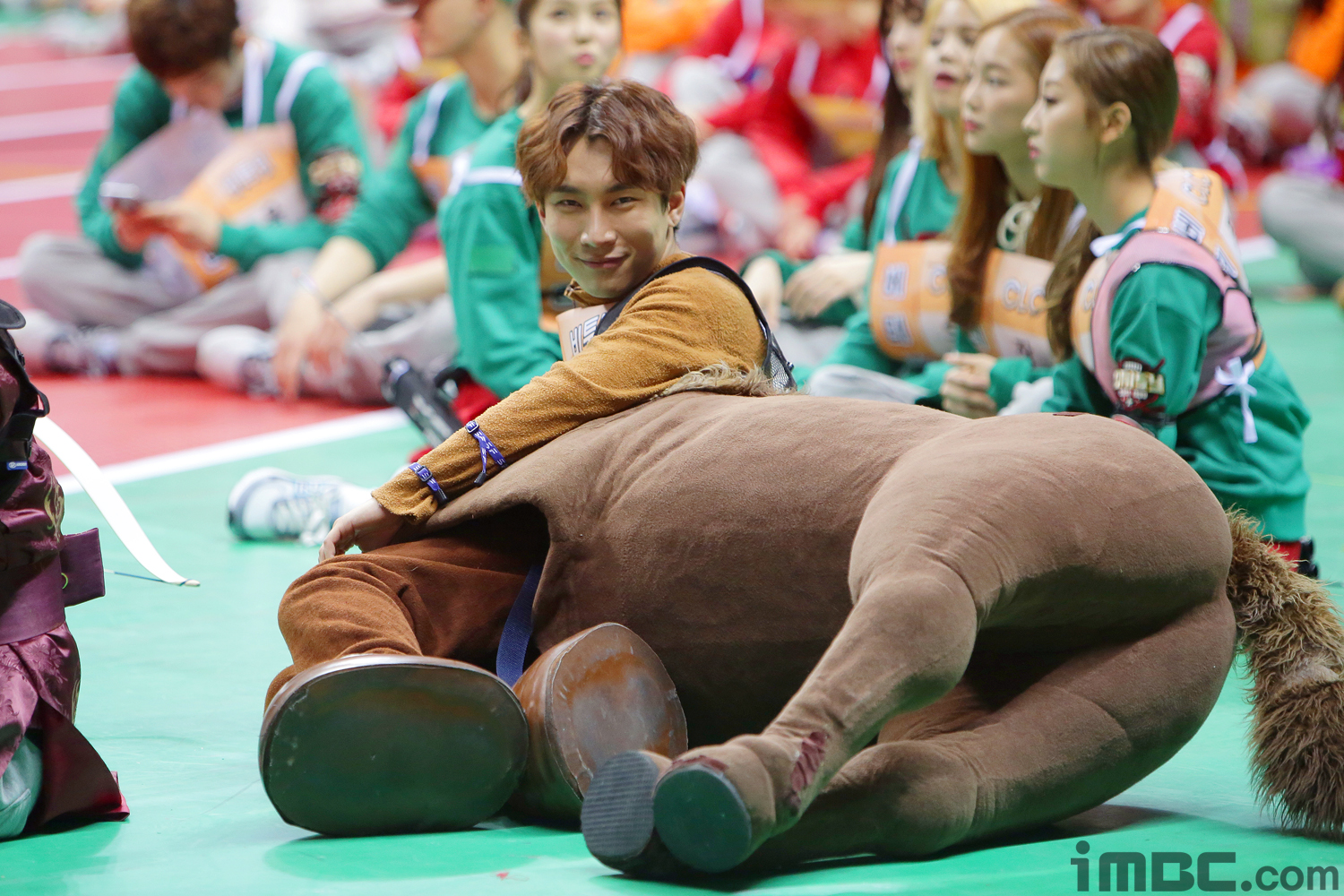 BTS's Jimin and More Try to Ride BTOB's Eunkwang's Horse