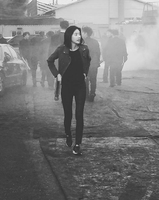 "Son Dam Bi Shares Teaser Photo From Set of ""Mrs. Cop 2"""