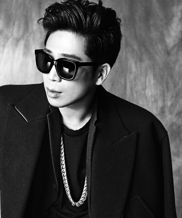 MC Mong To Stay in the Same Agency as Girls Day