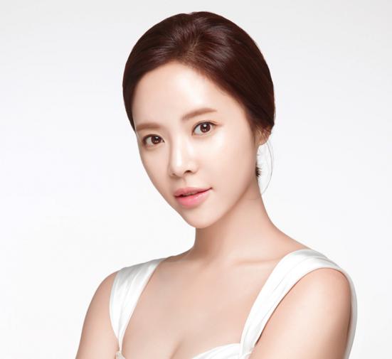 JYJ's Junsu to Sing at Hwang Jung Eum's Wedding; Lee Soon Jae Officiates