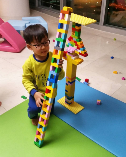Song Il Gook Shares Photos and Video of Daehan's Imaginative Block Creations on Instagram