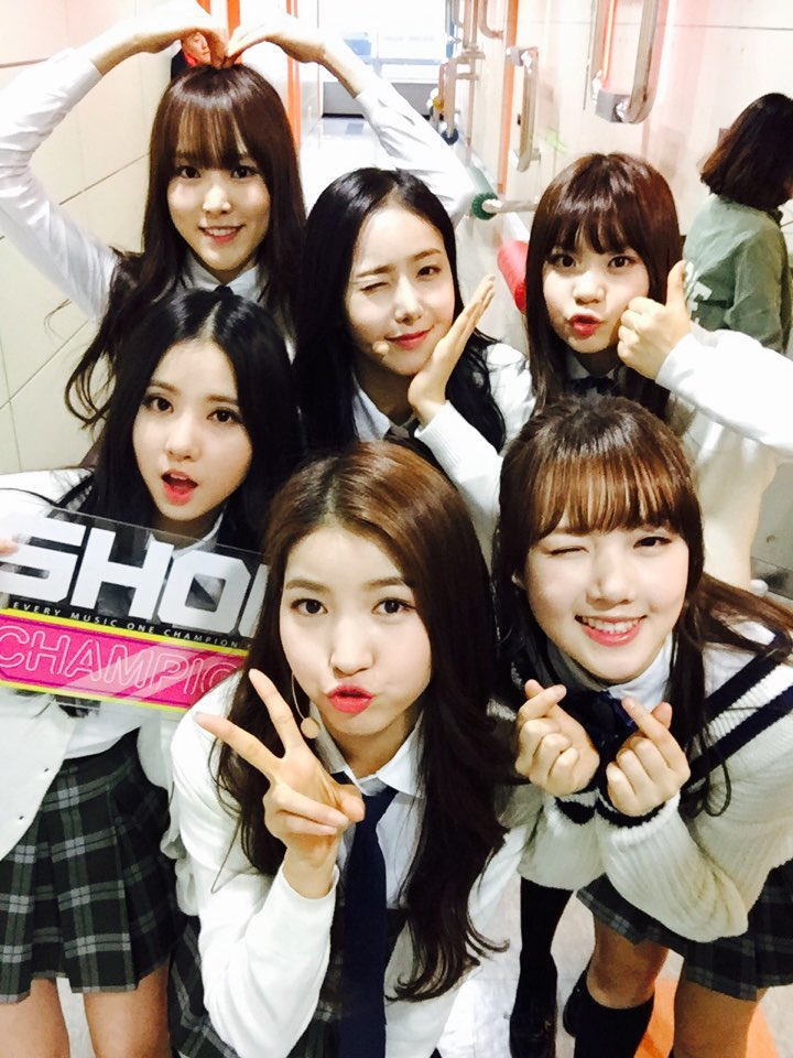 "GFRIEND Takes Home 9th Win With ""Rough"" on ""Show Champion"""