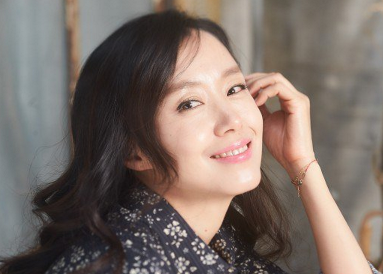 """Jeon Do Yeon Currently in Talks to Star in tvN Remake of """"The Good Wife"""""""