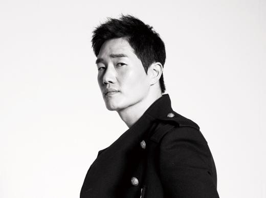 "Yoo Ji Tae in Talks to Star in tvN Remake of ""The Good Wife"" Alongside Jeon Do Yeon"