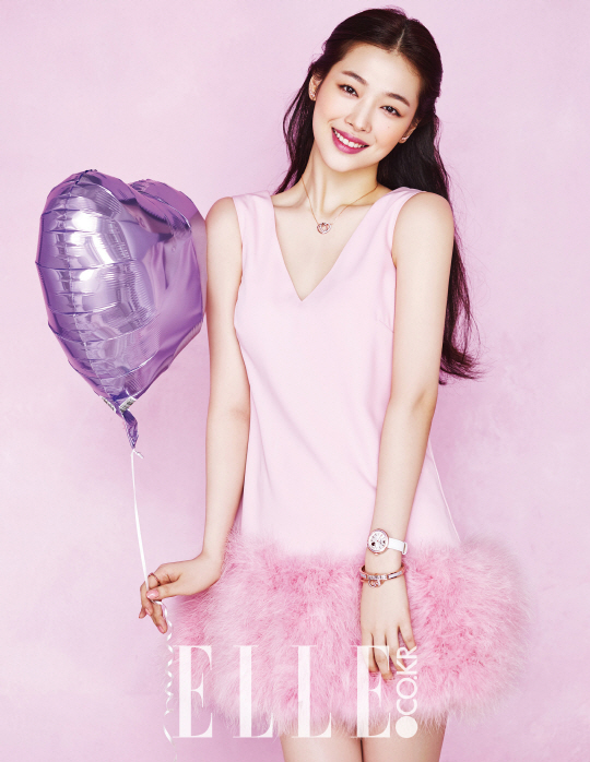 Sulli Is a Lovely Cupid for White Day in Elle's Pictorial
