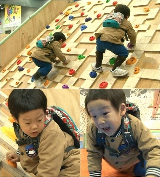 "Seo Jun and Seo Eon Tackle an Obstacle Course on ""The Return of Superman"""